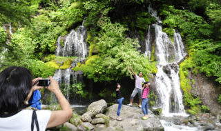 吐竜の滝で水遊び㉘