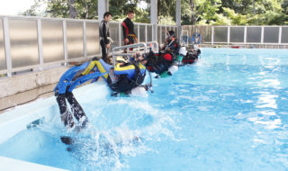 水難事故に備え訓練㉛