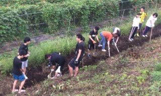 北杜市の増富地区で学生がボランティア
